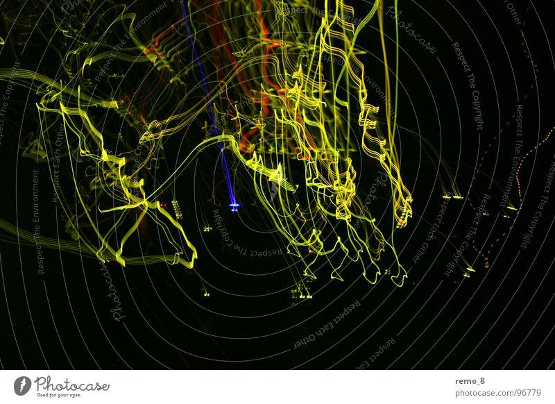 IT wirr warr dunkel Bewegung Kunst modern Elektrizität Medien Dynamik Informationstechnologie Neonlicht Erkenntnis grell Labor Kammer Fotolabor