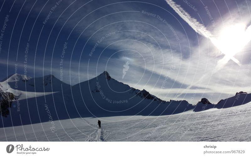 in der Spur Mensch Himmel Natur Ferien & Urlaub & Reisen weiß Landschaft Wolken Freude Winter kalt Berge u. Gebirge Schnee Sport Glück Freizeit & Hobby Schönes Wetter