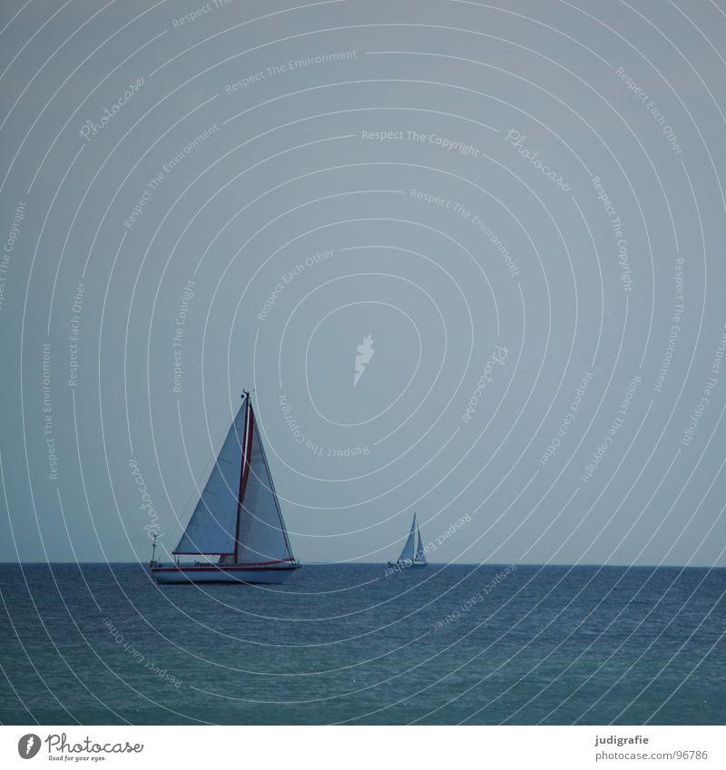 Ruhe Wasser Himmel Meer blau rot Sommer Ferien & Urlaub & Reisen ruhig Sport Erholung Spielen See Wasserfahrzeug 2 Horizont Segeln