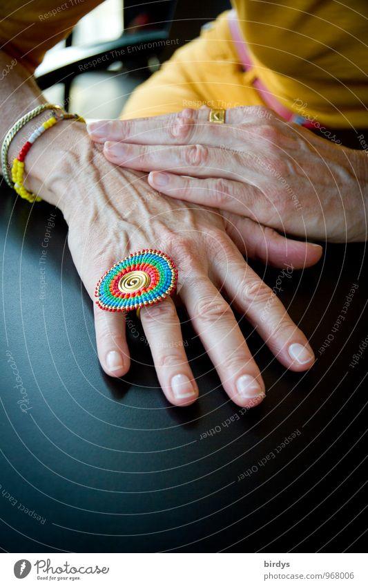 happy birthday ! Mensch Frau schön Hand Erotik Erwachsene feminin Stil Lifestyle elegant Design sitzen 45-60 Jahre ästhetisch Tisch Finger