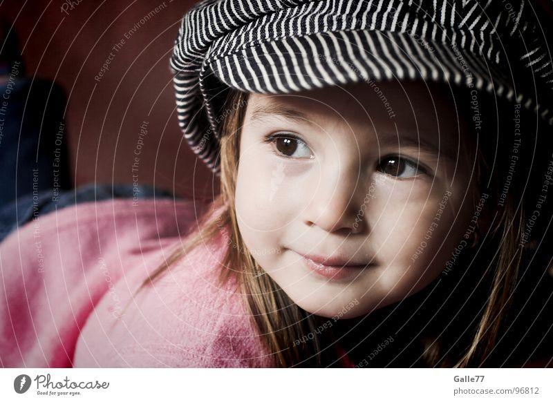Joanna II Porträt Mädchen Kind wach süß schön Fröhlichkeit Leben clever Freude Lebensfreude geistreich Kleinkind Gesichtsausdruck Dynamik lachen Natur grinsen