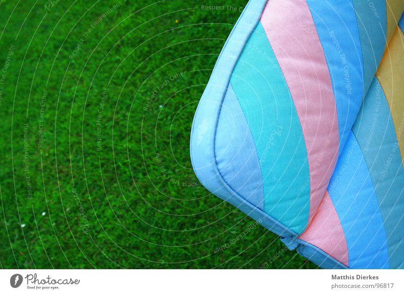 SIT DOWN AND RELAX grün blau Sommer Freude gelb Erholung Garten Stuhl weich violett Häusliches Leben Sofa Müdigkeit Möbel gemütlich Schönes Wetter
