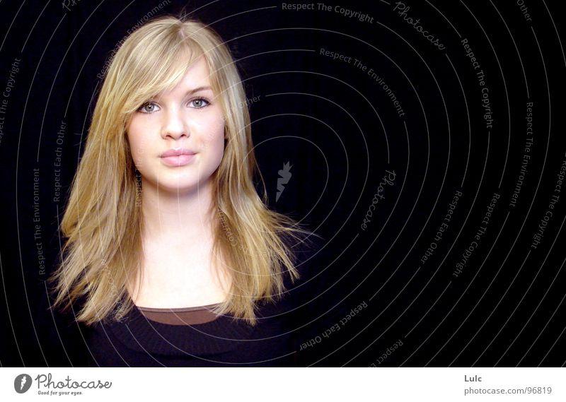 Miss Stinna Jugendliche schön Porträt Stil Beruf blond natürlich authentisch Beautyfotografie Model 18-30 Jahre langhaarig Junge Frau attraktiv