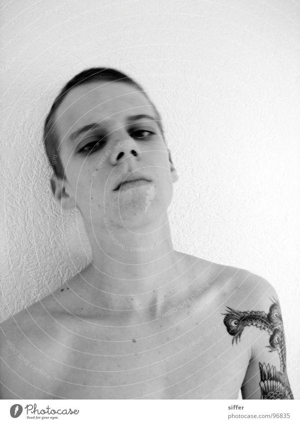 me, so moony Mann Jugendliche Kopf Traurigkeit Arme Hinterteil dünn Tattoo gegen Frustration Absturz Bla Afrika abweisend unsozial Phönix
