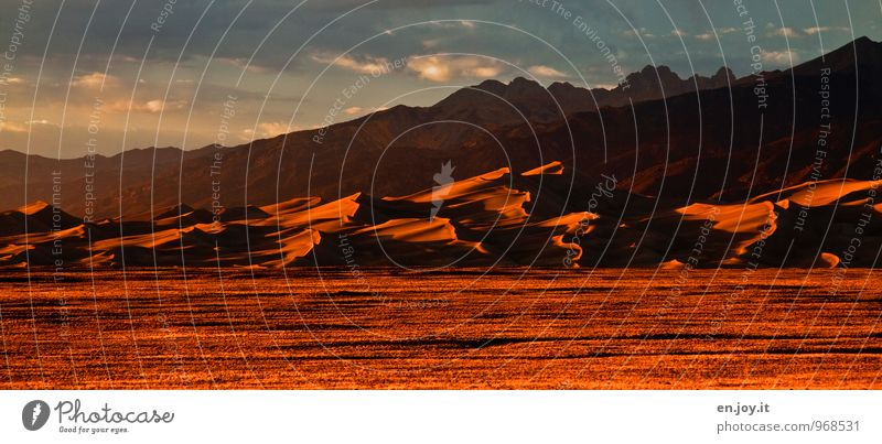 before sunset Natur Ferien & Urlaub & Reisen Landschaft Ferne Berge u. Gebirge Sand orange Tourismus Klima Abenteuer Wüste Düne Amerika Stars and Stripes Klimawandel Nationalpark
