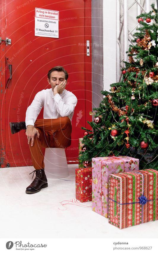 Dauert's noch lang? Feste & Feiern Weihnachten & Advent Mensch Junger Mann Jugendliche 18-30 Jahre Erwachsene Beratung Erholung Erwartung Hilfsbereitschaft