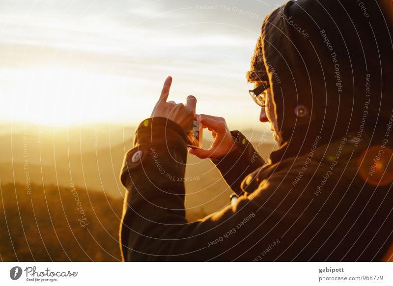 Südpfalz | Die Lichtsucherin Leben harmonisch Wohlgefühl Erholung ruhig Mensch feminin Junge Frau Jugendliche Erwachsene 1 Natur Landschaft Sonnenaufgang