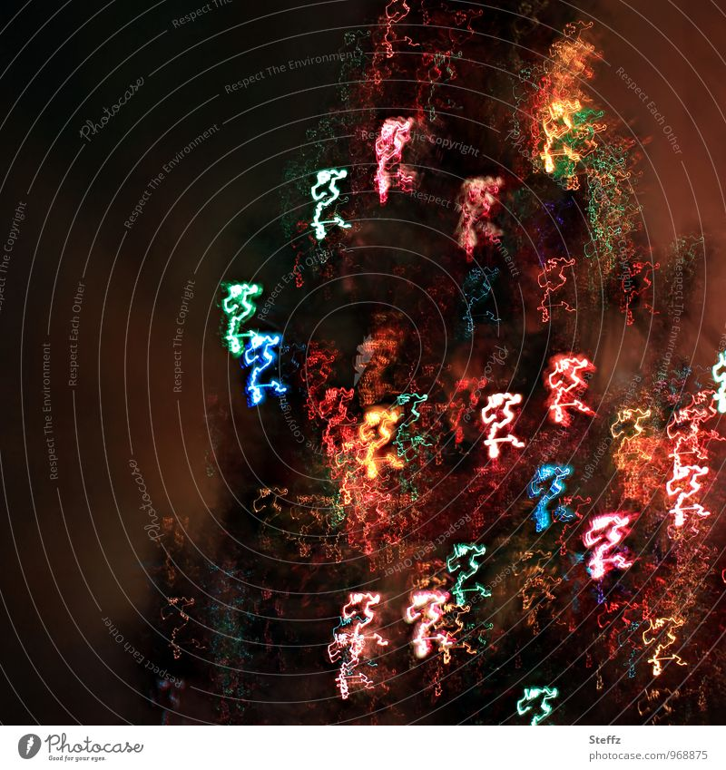 Impression Weihnachten & Advent glänzend leuchten verrückt mehrfarbig Stimmung Lichtstimmung bizarr Farbe skurril Weihnachtsbaum Weihnachtsbeleuchtung