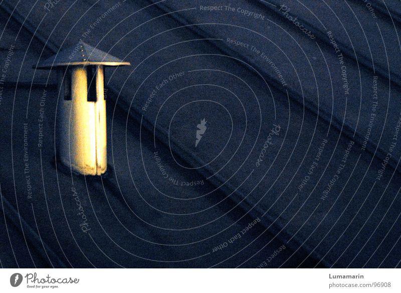 Nachtluft ruhig Haus dunkel oben grau Gebäude Luft Linie Metall verrückt trist Dach Turm Hut