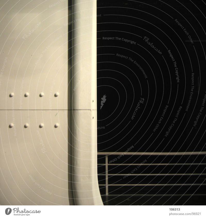 ACHT NIETEN UND SONST NICHTS Ferne graphisch geschwungen Vordergrund Hintergrundbild weiß retro Bühne Bühnenbild Operette konkav konvex Kratzer Schliere