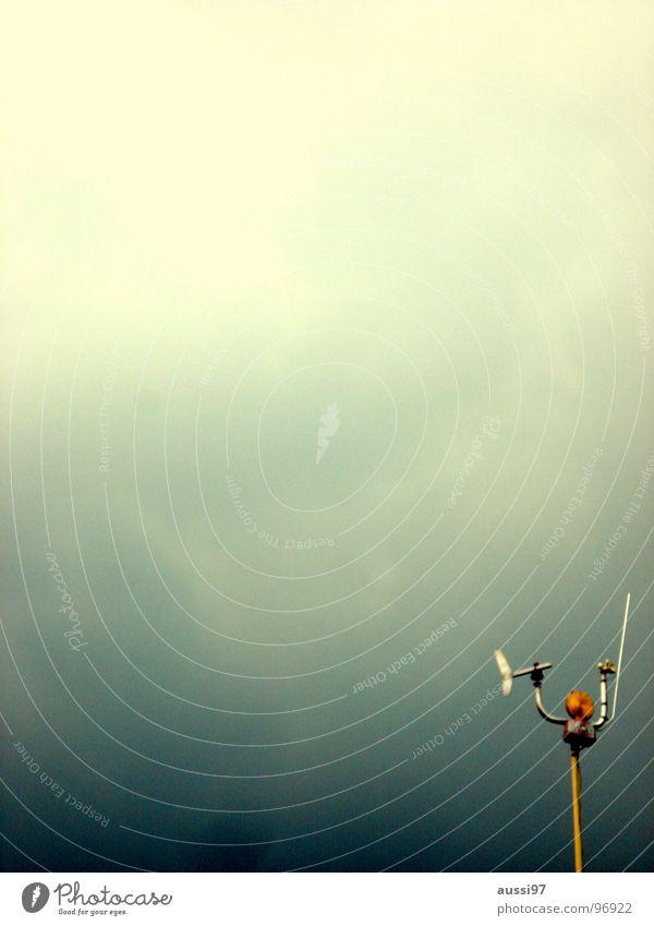 Die vergessene Station dunkel Regen Wind Kommunizieren Kontakt Wissenschaften Gewitter Scheinwerfer Antenne Planet UFO Funktechnik bezogen Windmesser