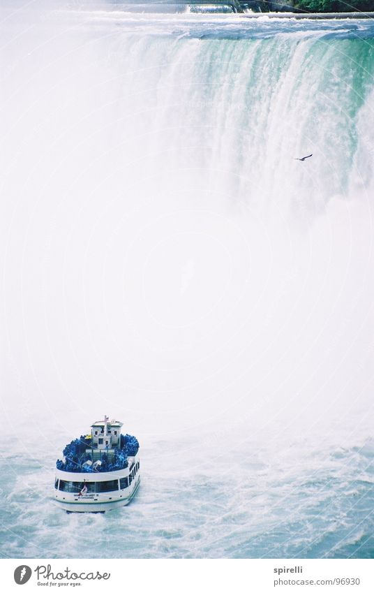 Niagara Fall Natur Wasser weiß blau Ferien & Urlaub & Reisen kalt Umwelt Wasserfahrzeug nass hoch Energie Tourismus USA Ziel entdecken Amerika