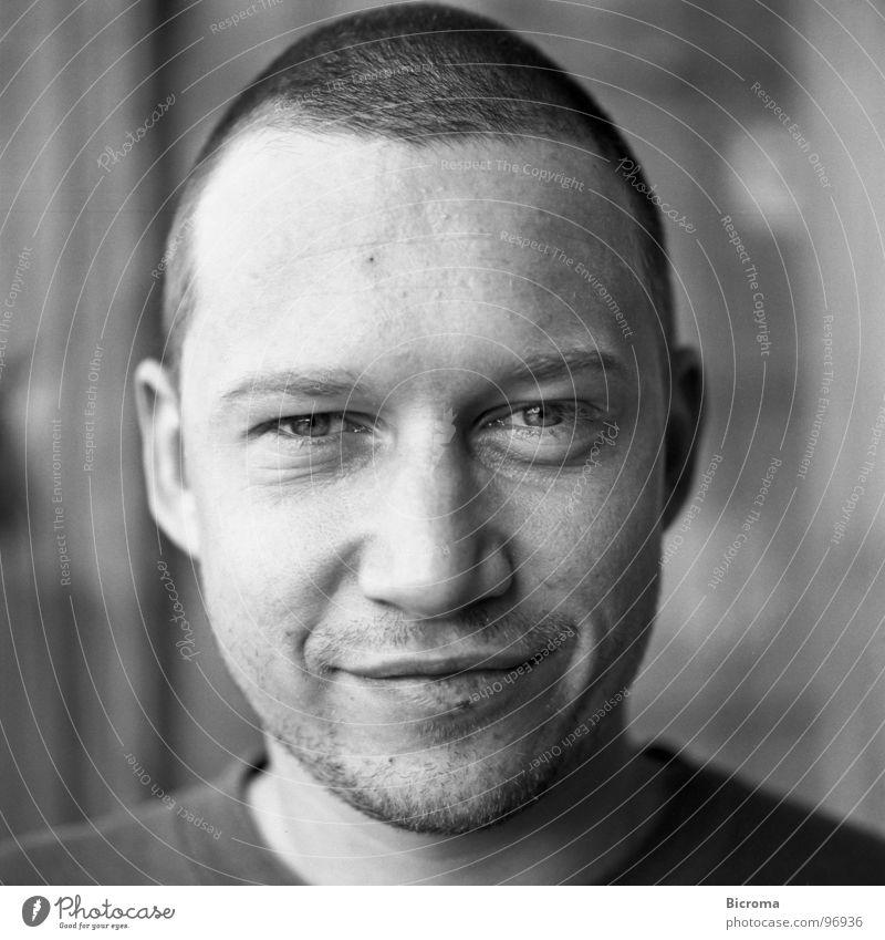 Portrait Mittelformat Porträt Student Mann Pirat Schwarzweißfoto Blick Auge Architekt