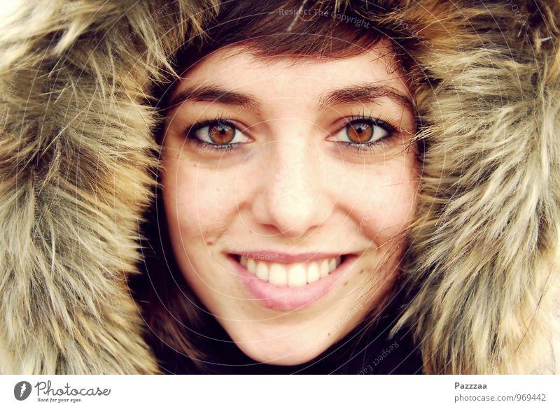 Schneekönigin elegant Glück schön Wohlgefühl Zufriedenheit Expedition Winter feminin Junge Frau Jugendliche Gesicht Zähne 1 Mensch 18-30 Jahre Erwachsene Eis