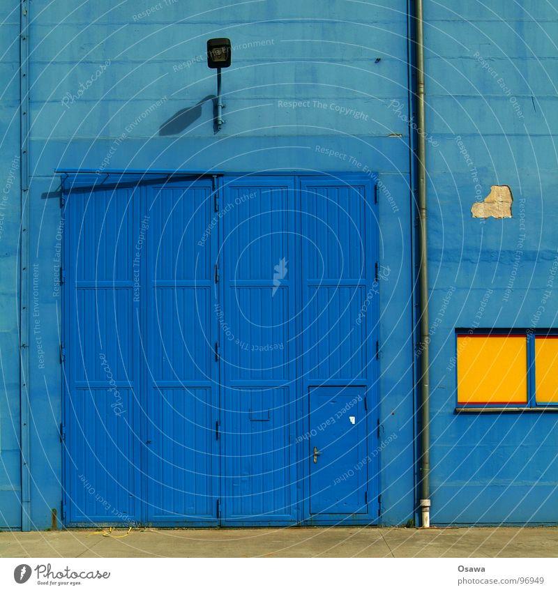 VEB Elektrokohle 13 Laterne Straßenbeleuchtung Fenster gelb Wand Industrie Tür Tor blau Regenrohr Architektur