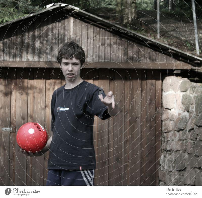 verblasstes_spiel rot stark Gegenwart Holztor Sport Spielen Jugendliche Ballsport komm spiel mit Volleyball Fußball Handball Basketball egal was Aktion frei