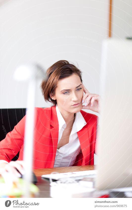 Bildschirm Jugendliche Junge Frau Arbeit & Erwerbstätigkeit Business modern Erfolg Technik & Technologie Computer Kommunizieren Zukunft kaufen Netzwerk Kontakt