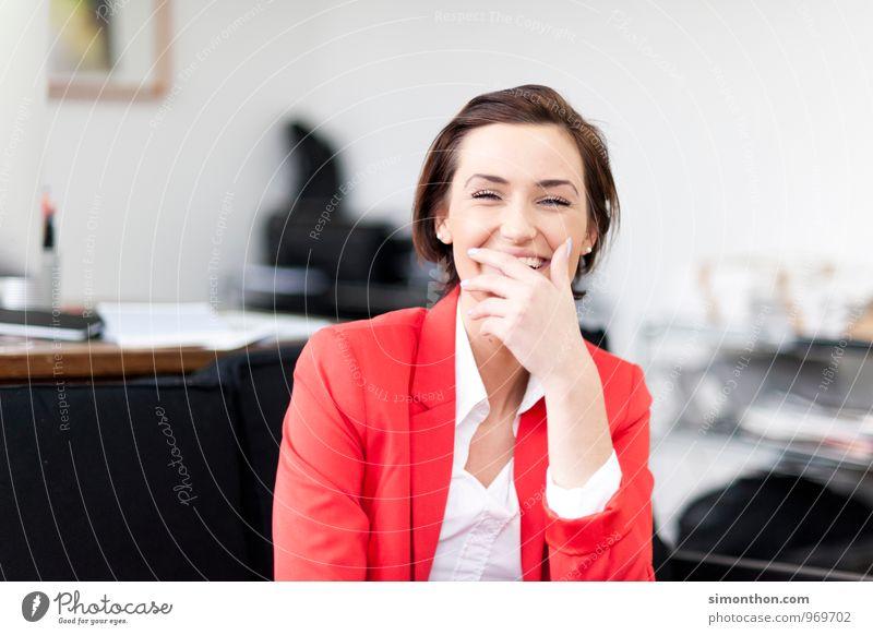Witz Jugendliche Junge Frau Freude Erwachsene Leben Liebe Innenarchitektur Stil Glück Paar Business Freundschaft Wohnung Zufriedenheit elegant Erfolg