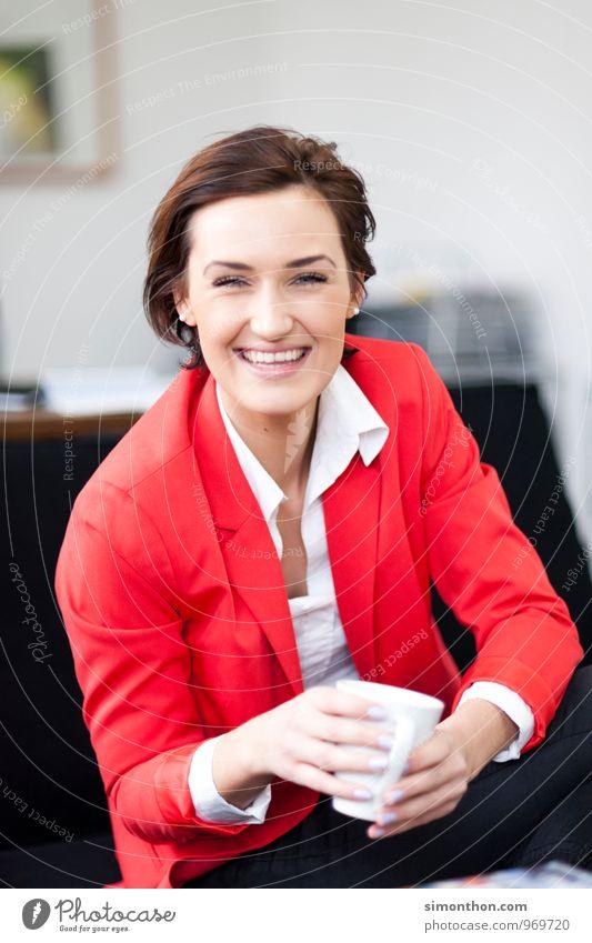Pause Jugendliche schön Junge Frau Erholung ruhig Freude Erwachsene Leben feminin Stil Gesundheit Glück Lifestyle Paar Business Freundschaft