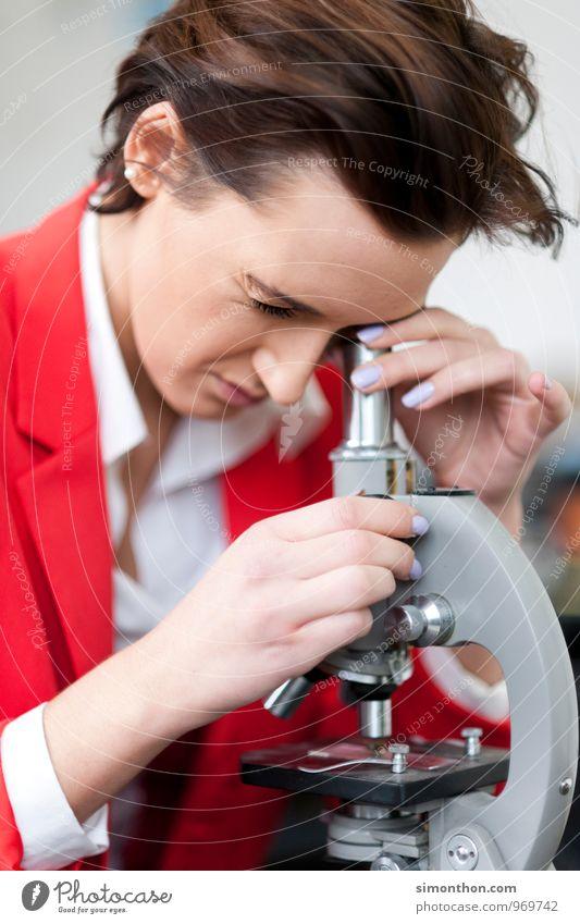 Forschung feminin Schule Arbeit & Erwerbstätigkeit Business Erfolg Perspektive Technik & Technologie Zukunft Studium lernen rein Bildung Erwachsenenbildung