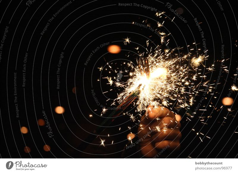 funkle Silvester u. Neujahr Wunderkerze schön Licht brennen heiß Geburtstag Funken funkenstab Feuerwerk silvesterrakete tischfeuerwerk firework fireworks hell
