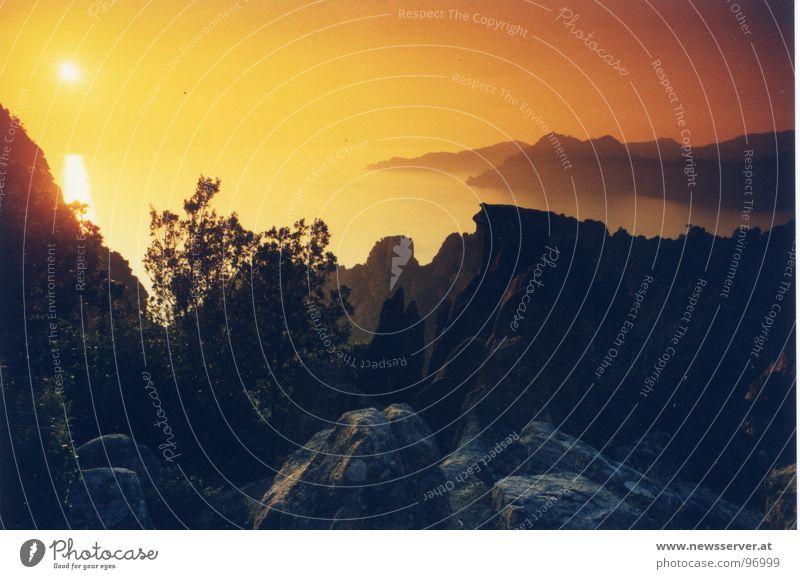 Sonnenbrille Meer Stimmung Ferien & Urlaub & Reisen bizarr Korsika Berge u. Gebirge Abend Pitoresk Filter Corse Callenge