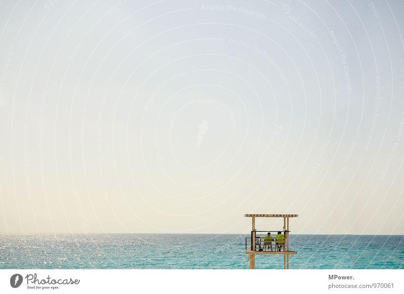 die zwee vom beach Beruf Mensch maskulin Junger Mann Jugendliche 2 Schwimmen & Baden Blick Bademeister Meer Horizont Wolkenloser Himmel Wellen Wasseroberfläche