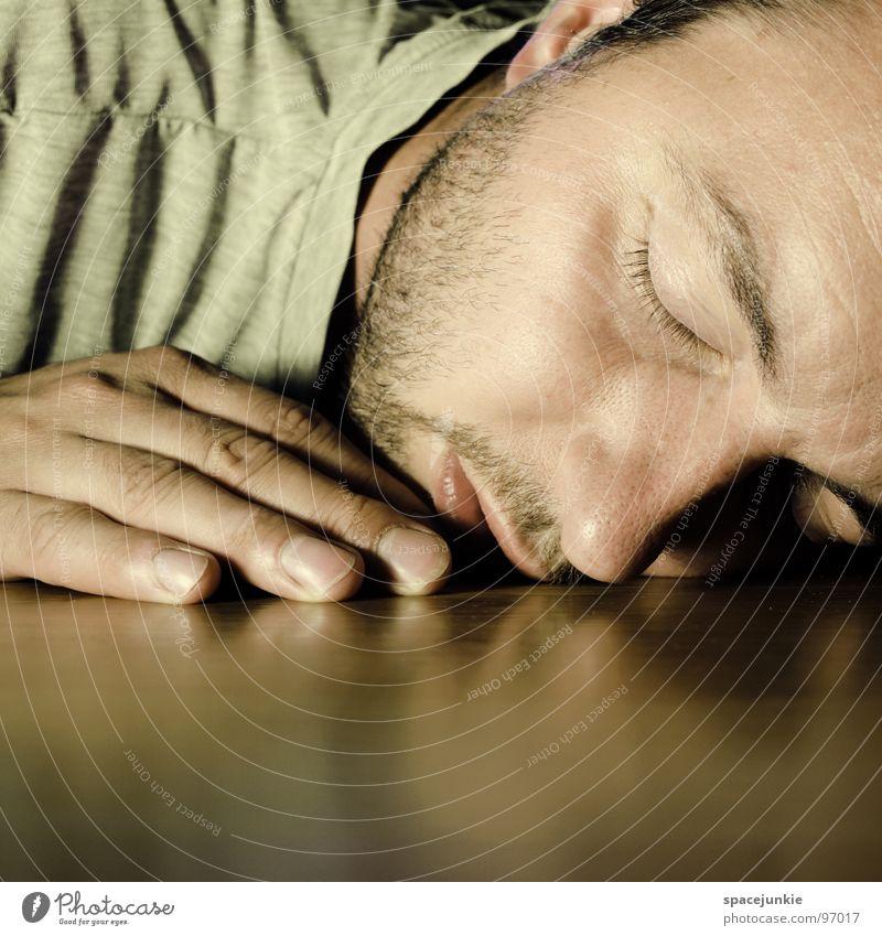 good night Mann Hand Freude Gesicht ruhig Erholung träumen schlafen Bodenbelag liegen Gelassenheit Müdigkeit unbequem Nachtruhe