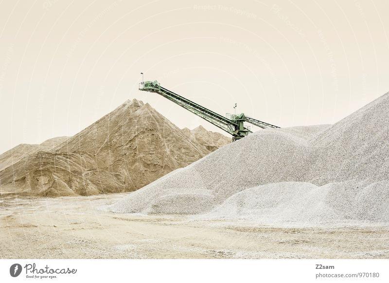 Industrieromantik II Farbe Einsamkeit Landschaft ruhig Berge u. Gebirge Sand Ordnung elegant ästhetisch Beton einfach Sauberkeit rein Material Kran beige