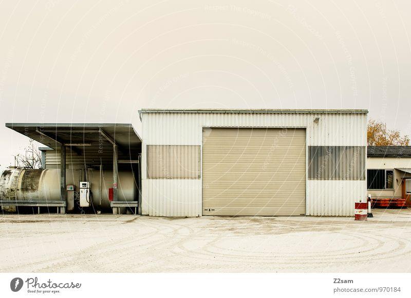 Industrieromantik II Stadt Einsamkeit ruhig kalt Architektur Gebäude Business Ordnung dreckig trist einfach Vergänglichkeit Verfall trashig herbstlich