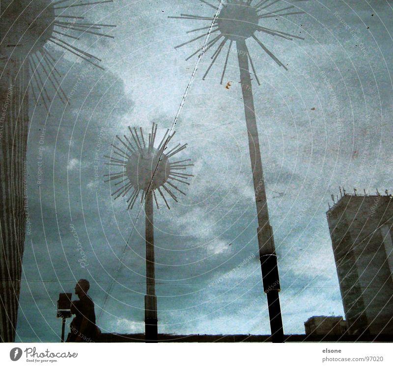 stachelturm1 Wasser Himmel blau Gebäude Metall nass Hochhaus verrückt modern Dresden Kugel Brunnen Skulptur Wahrzeichen Surrealismus Pfütze