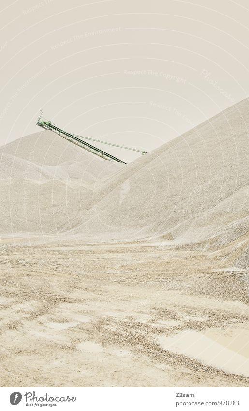Industrieromantik II Farbe Einsamkeit ruhig Wärme Sand Ordnung Idylle elegant trist Design ästhetisch einfach Romantik Material Kran stagnierend