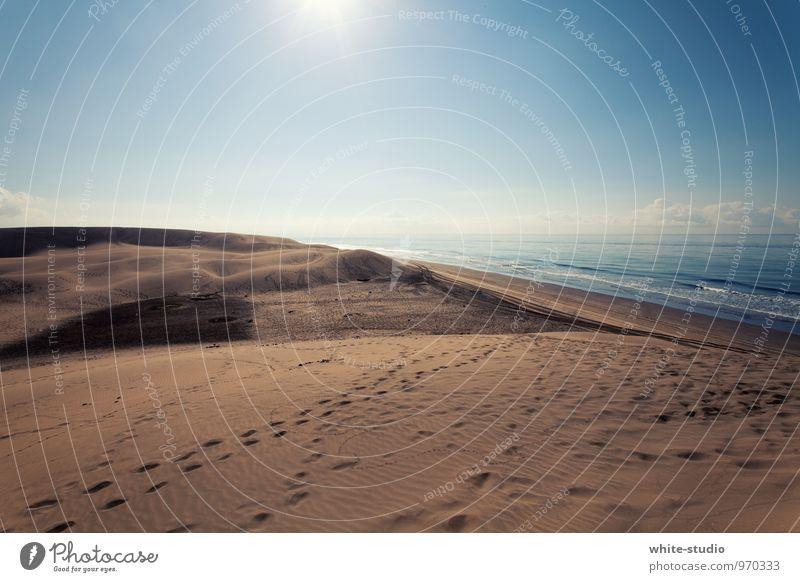 Endlich Wasser! Natur Ferien & Urlaub & Reisen Sommer Sonne Meer Einsamkeit Strand Umwelt Glück Schwimmen & Baden Sand Wellen Fröhlichkeit genießen Unendlichkeit Spuren