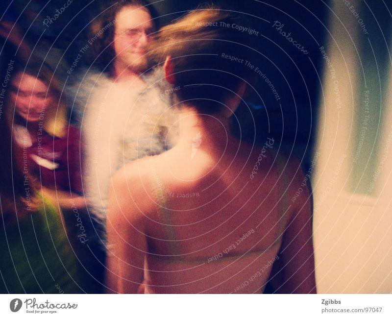 Girl at the Party Jugendliche Trauer Verzweiflung shoulder blur sad night fun