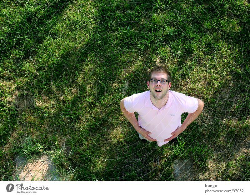 Marc verzweifelt Mensch Mann Wiese oben Gras klein groß hoch Kommunizieren stehen unten