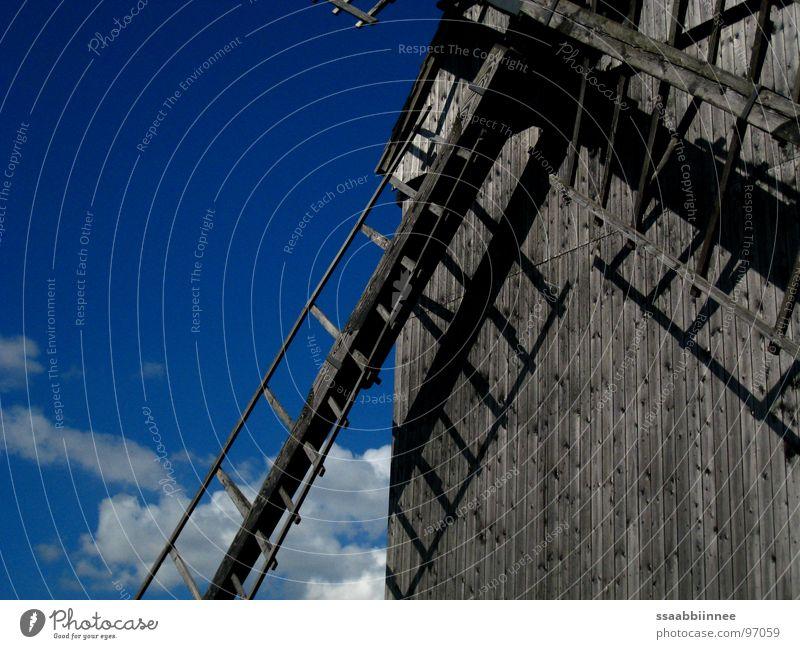 Windspiele 2 Himmel Sommer Freude Wolken träumen Wind Denkmal Wahrzeichen Leichtigkeit ländlich Windmühle Gute Laune