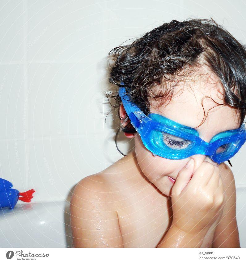 Ich tauch nochmal! Kind blau Wasser Mädchen Freude Leben lustig Sport Spielen Schwimmen & Baden Familie & Verwandtschaft Freizeit & Hobby Körper Kindheit