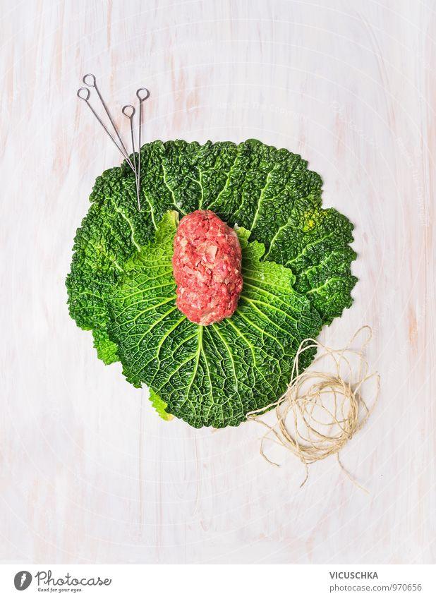 Hackfleisch Füllung auf Kohlblätter fürs Kohlrouladen Lebensmittel Fleisch Gemüse Kräuter & Gewürze Ernährung Mittagessen Abendessen Festessen Bioprodukte Diät
