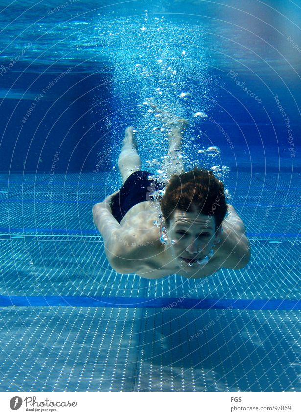 Blubb Blubb III Mensch Jugendliche Wasser blau Freude ruhig Sport Spielen Schwimmbad Boden Bodenbelag blasen genießen atmen Wassersport