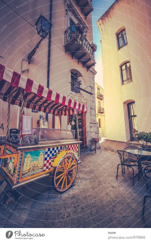 Das süße Leben Speiseeis Italienische Küche Ferien & Urlaub & Reisen Tourismus Städtereise Dekoration & Verzierung Kultur Stadt Altstadt Platz Gebäude Fassade