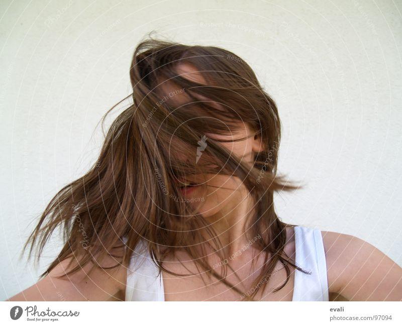 Gute-Laune-Tanz IV Freude Haare & Frisuren Gesicht Sommer Tanzen Mensch Jugendliche Kopf T-Shirt Wildtier Bewegung Fröhlichkeit frisch verrückt braun weiß