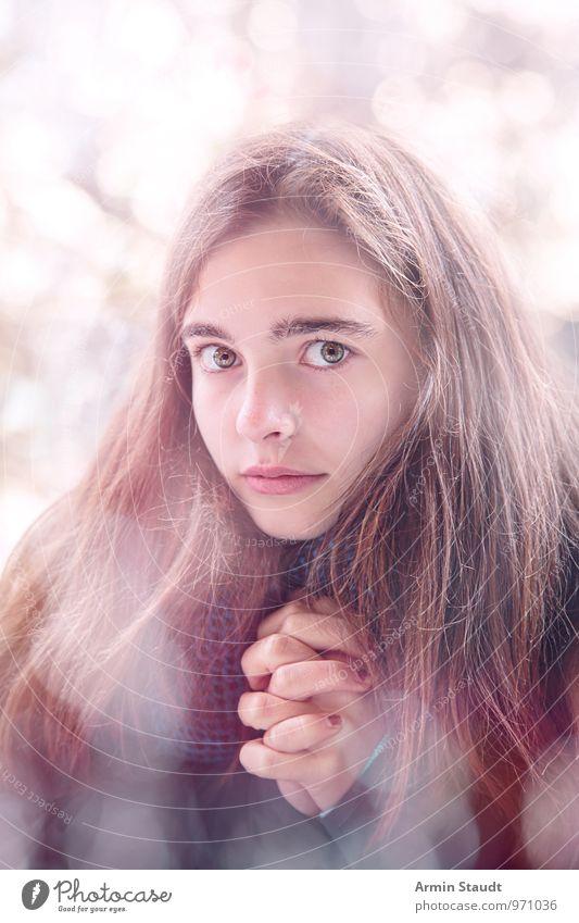 Beten Mensch Kind Jugendliche schön Hand ruhig natürlich feminin Stil Religion & Glaube Haare & Frisuren Lifestyle hell 13-18 Jahre fantastisch Finger