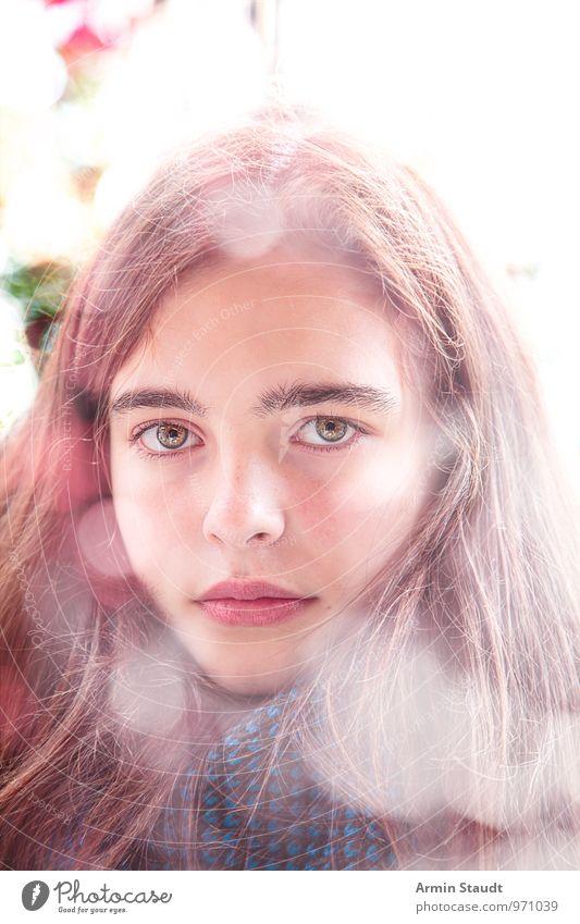 Porträt - Bokeh Mensch Kind Jugendliche schön Gesicht feminin natürlich Stil Gesundheit hell Lifestyle Zufriedenheit Design leuchten authentisch 13-18 Jahre