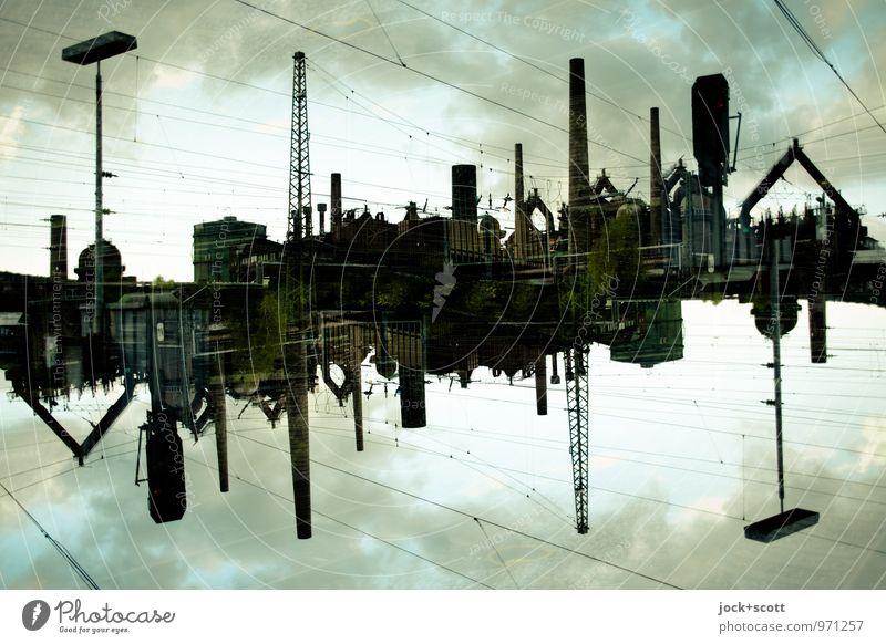 Eisenwelt Stahlwerk Weltkulturerbe Wolken Völklingen Sehenswürdigkeit Denkmal außergewöhnlich dunkel fantastisch Endzeitstimmung Surrealismus Irritation