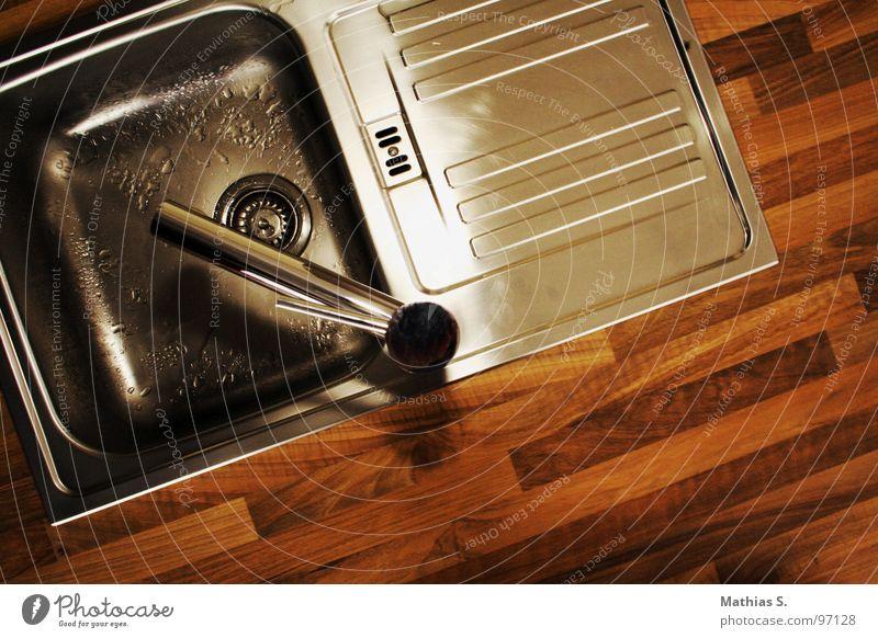 Lavabo Waschbecken Sauberkeit nass Parkett Holz Blech Wasserhahn Abfluss fließen Aluminium Waschtisch rein Physik Erfrischung Tick Holzmehl Küche Becken kücke