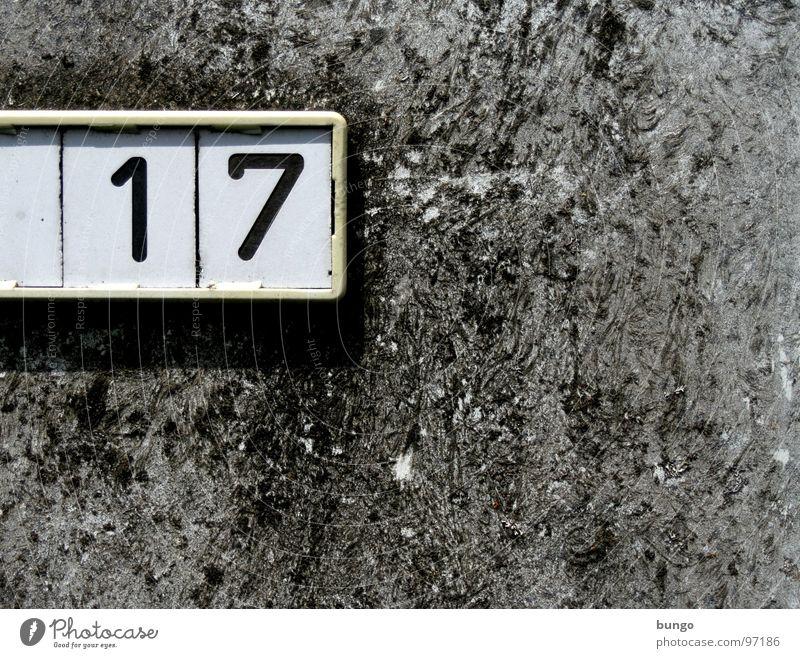 Trick 17 Wand Stein Mauer Schilder & Markierungen Beton Ordnung Ziffern & Zahlen Putz sortieren rau 17 Plakette