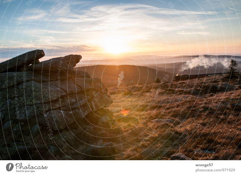 200 | mit Volldampf weiter voraus Himmel Ferien & Urlaub & Reisen blau Sonne Landschaft Wolken gelb Berge u. Gebirge Herbst Gras braun Felsen Schönes Wetter Eisenbahn Gipfel historisch