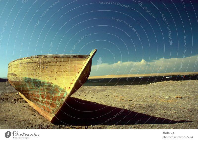 Fischerboot II Natur Wasser alt Himmel Sonne Meer blau Strand Ferien & Urlaub & Reisen Wolken Einsamkeit Ferne Holz träumen See Landschaft
