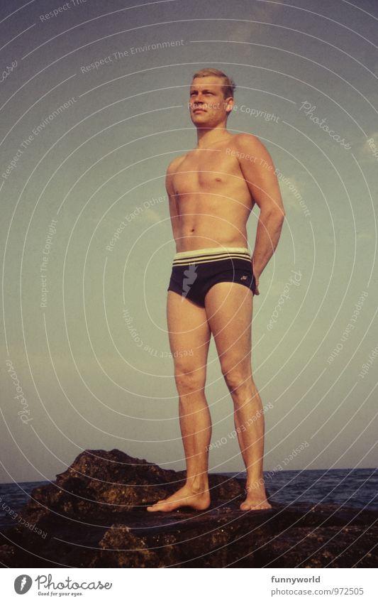 Pavo schön sportlich Leben Sommerurlaub Meer Fitness Sport-Training Erfolg maskulin Junger Mann Jugendliche Körper beobachten Blick Adonis retro Sechziger Jahre
