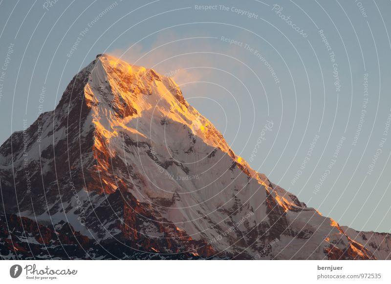 langweiliger Sonnenaufgang Natur blau Sommer weiß Sonne kalt Berge u. Gebirge Schnee Eis Wind hoch Schönes Wetter Abenteuer Gipfel Ziel Schneebedeckte Gipfel